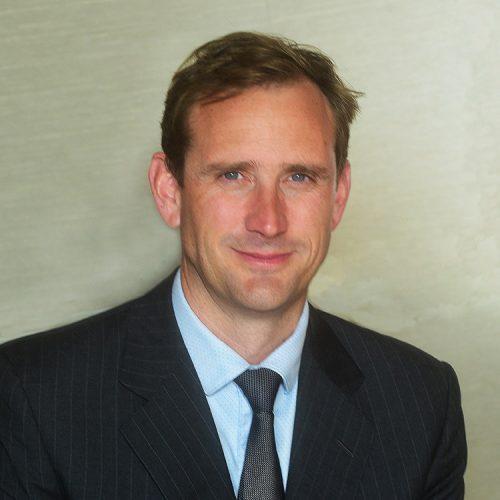 Dr Niall Macnamara